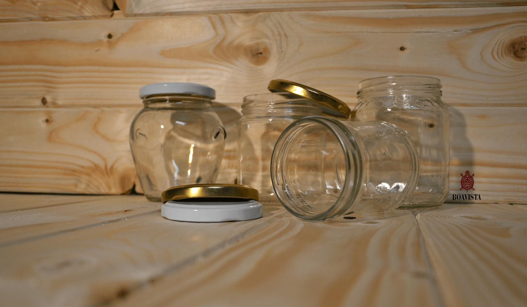 vasetti di vetro e capsule twist off